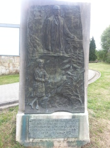 Monument to by Marcelino Sauz de Sautuola and his daughter who he took into the cave.