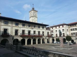 Official Spanish name Guernica, Basque name Gernika.