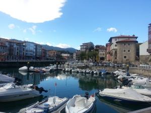 LLanes port