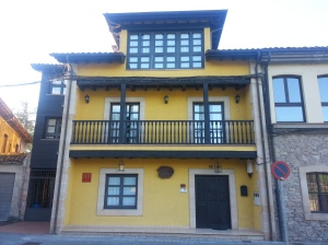 My yellow Villaviciosa accommodation