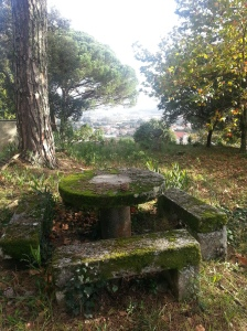 Round stone table 1