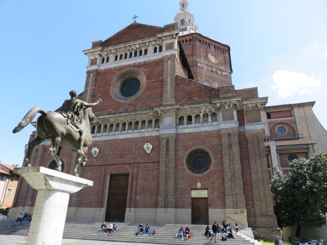 Duomo square 1
