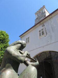 Osor statue 1