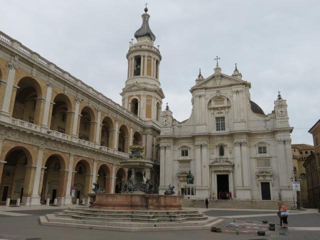 Basilica square 1